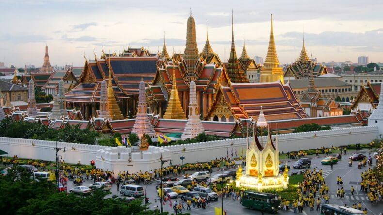 Korolevskiy-dvorets-v-Bangkoke