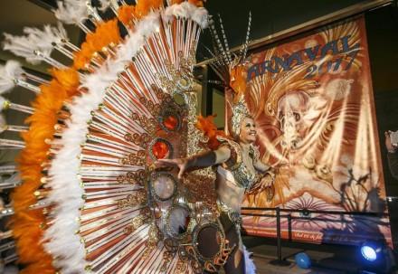 cartel-carnaval-santa-cruz-tenerife-2017-21_g[1]