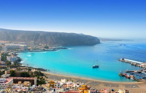 mooie-stranden-van-tenerife-aerial-view-of-los-cristianos-beach-in-arona-tenerife-canary-islands-788-5ec2