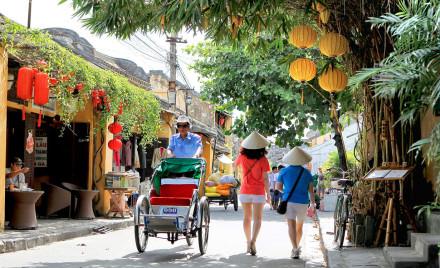 Zafiksirovan-rost-chisla-turistov-pribyvshih-vo-Vietnam-v-iyule