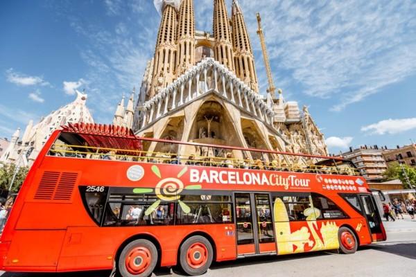bus-tour-barcelona-shutterstock_738101764-1024x683