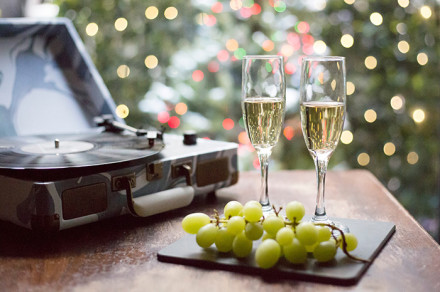 Spain-New-Year-Tradition-Lucky-12-Grapes